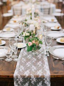 düğün-organizasyon-vintage-çiçek-masa-örtüsü