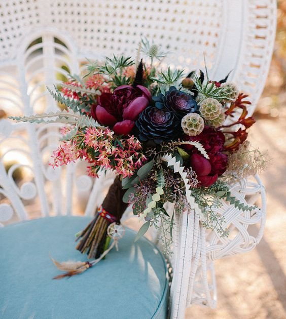 wedding-bride-fall-bouquets