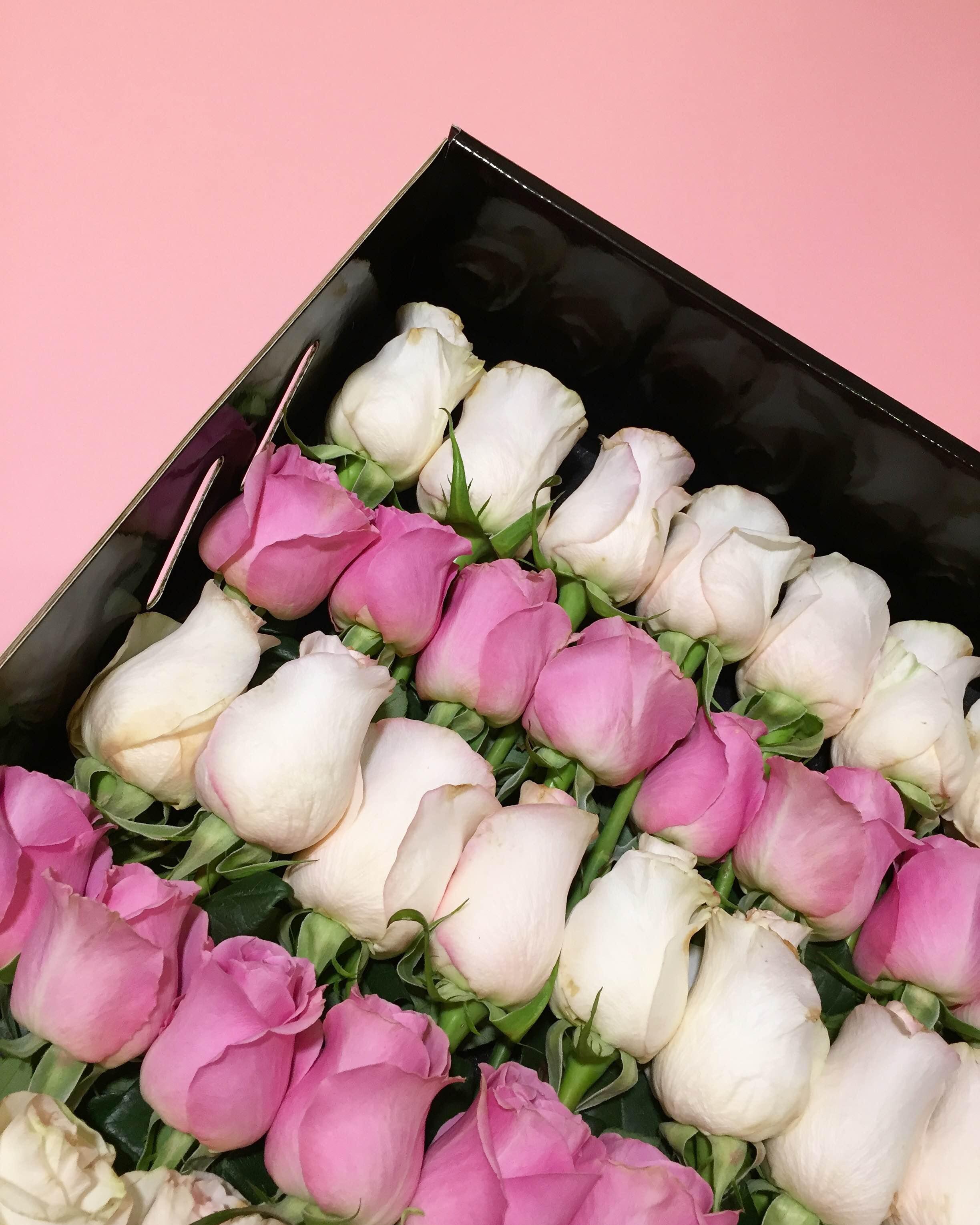 yeni-yilda-sevgiliye-hediye-onerileri-cicek-gul-she-rose-co