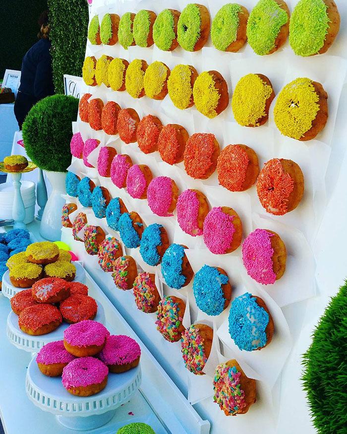 donut-wall-wedding-cake-ideas