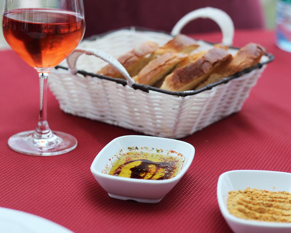 kapodokya-restoran-balkon-sarap